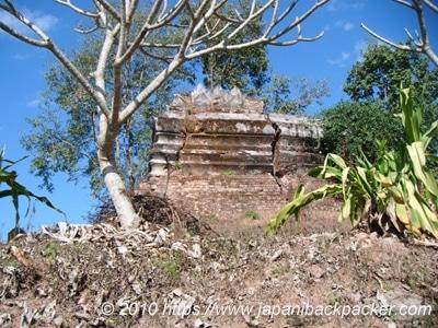 アメリカ軍に破壊された仏塔