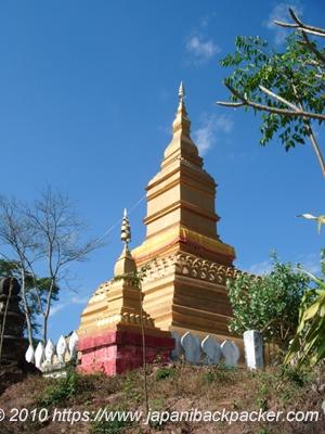 ルアンナムターの仏塔