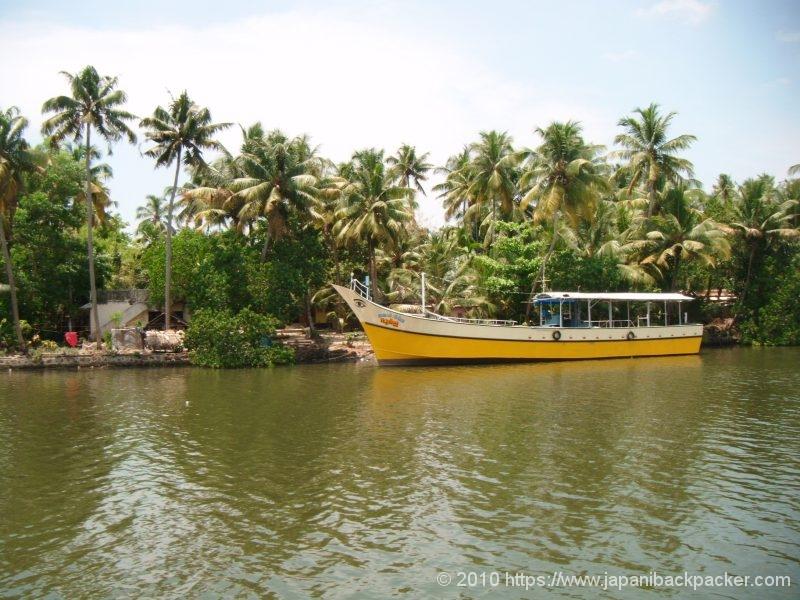 南インド バックウォータークルーズの旅