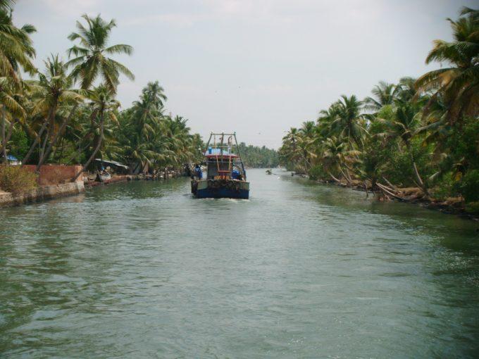 南インド バックウォータークルーズ
