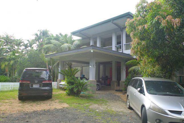 コロールのゲストハウスApo home