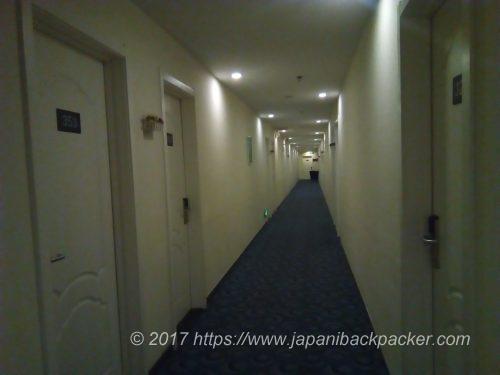広州7 デイズ インの廊下
