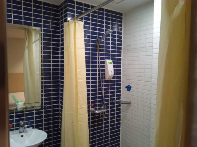Hi Inn - Guangzhou Liwanシングルルームのシャワー