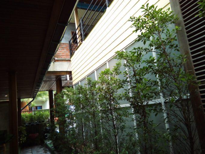 ザ ノイ ゲストハウス中庭
