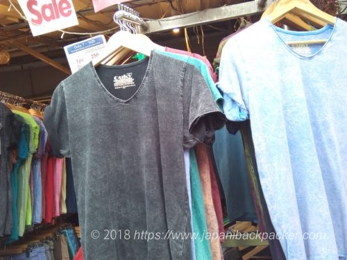 OUKYのtシャツ