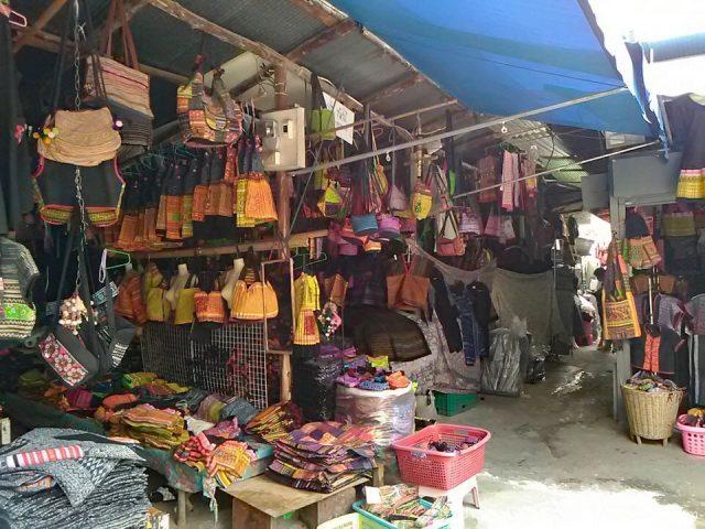 モン族市場