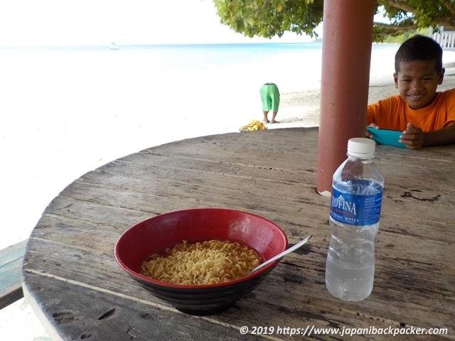 エネコ島の朝食
