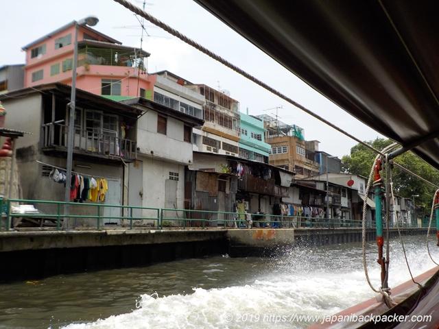 センセープ運河のボート