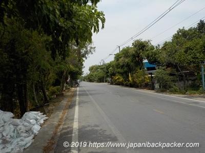 バーンガジャオの道路
