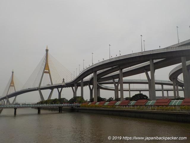プミポン橋のジャンクション