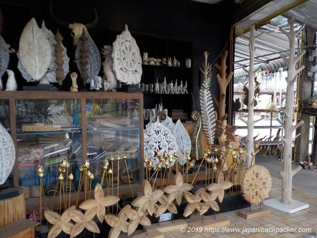 バーンタワイの民芸品屋