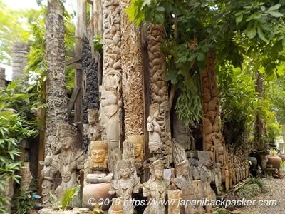Baan Tipmanee teak carving
