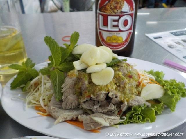 イサーン料理ビーフサラダ