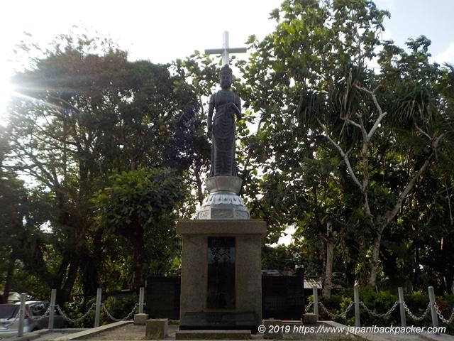 ポンペイ島コロニアの戦没者慰霊の観音像