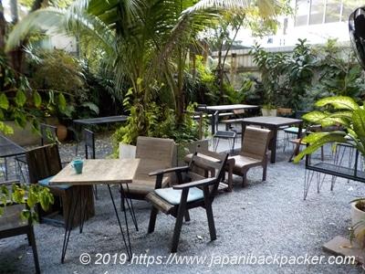 イム ヤム ホステル&ガーデンの中庭