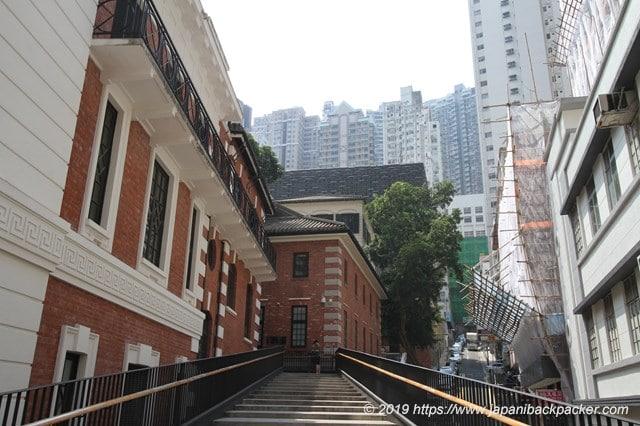 香港のヒルサイド・エスカレーターの途中