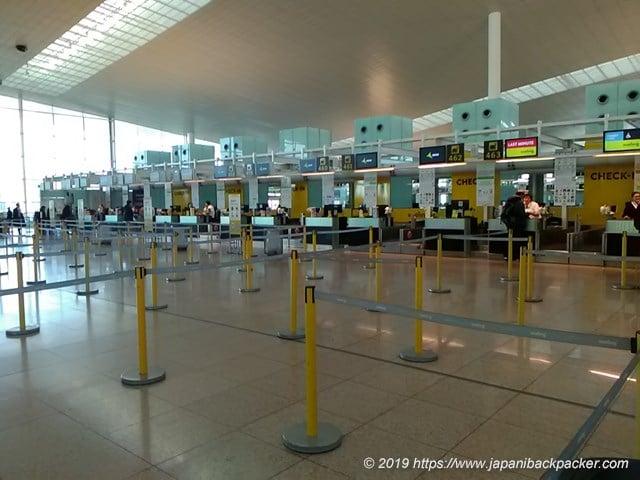 バルセロナ・エル・プラット国際空港のブエリング航空カウンター