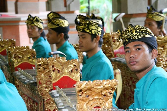 バリ島 寺院の演奏