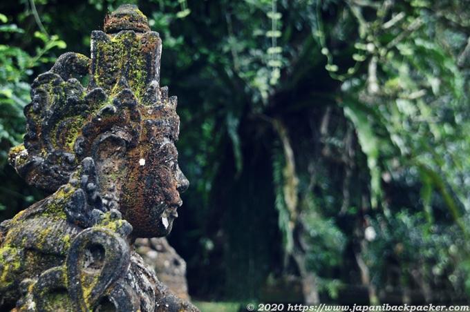 バリ島の女神像