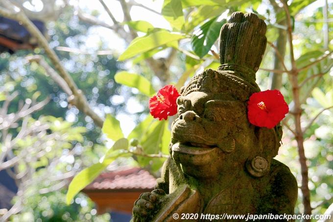 バリ島らしい像