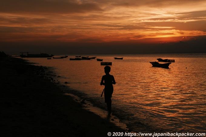 レンボンガン島の夕暮れ