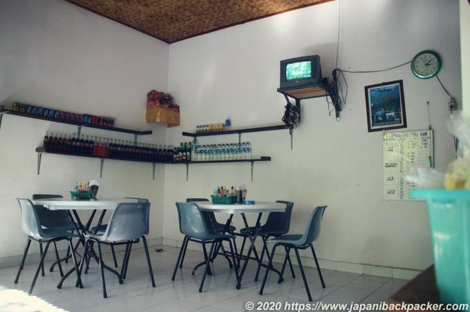 レンボンガン島の食堂