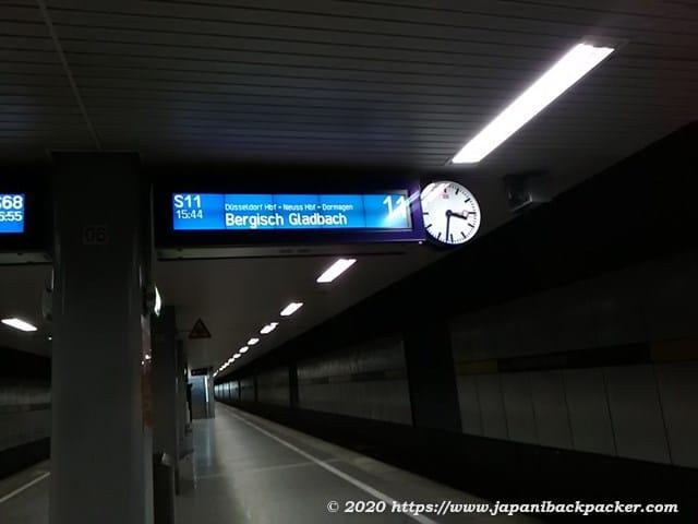デュッセルドルフ空港ターミナル駅の乗り場