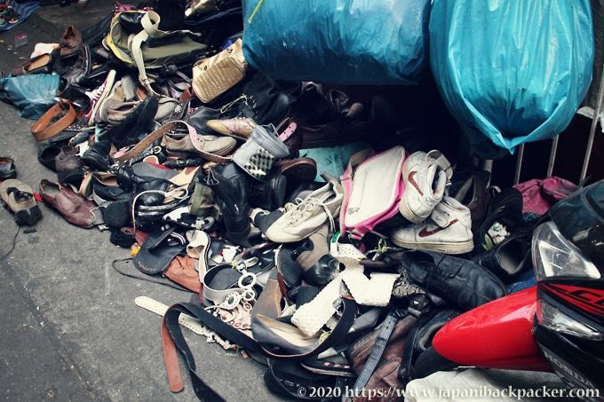 クロントム市場 中古靴