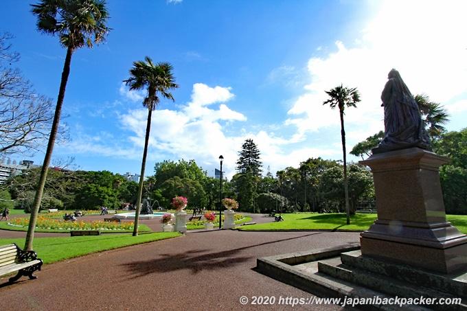 アルバート公園 Queen Victoria像