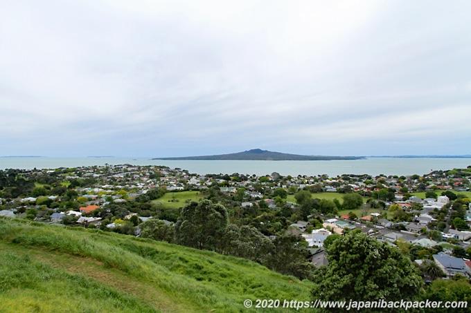 マウント・ビクトリアから見えるランギトト島