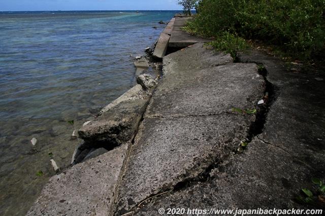 ランガル島 滑走路跡