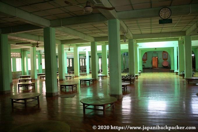 チャカッワイン僧院 ダイニングルーム
