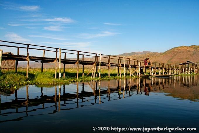 インレー湖 橋
