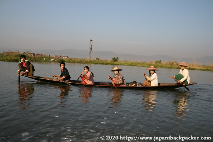 インレー湖のボート