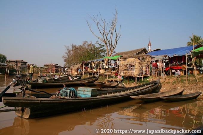 インレー湖の市場 Ywama Village