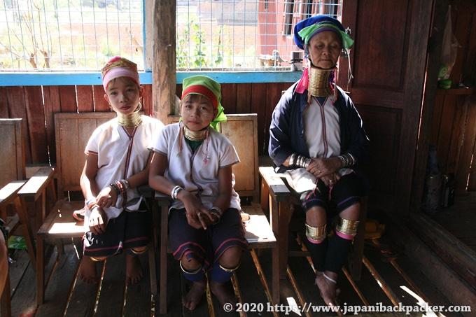 ミャンマー インレー湖 首長族 カヤン族
