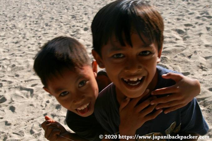 バリ島 クタビーチの子供達
