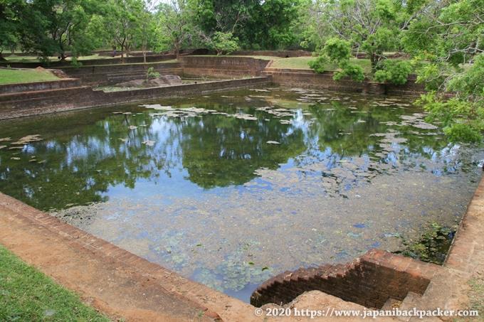 シーギリヤの遺跡 庭園の池