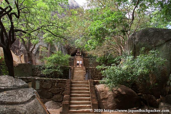 シーギリヤロックへの階段