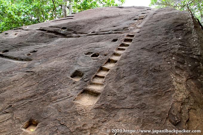 シーギリヤ遺跡の岩 階段のような跡