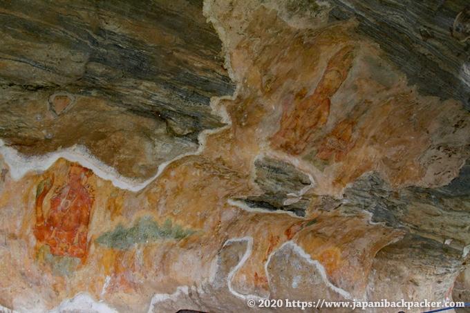 シーギリヤ・レディ 薄くなった壁画