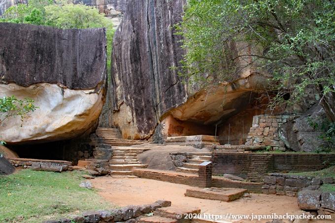 シーギリヤロック 岩の住居跡