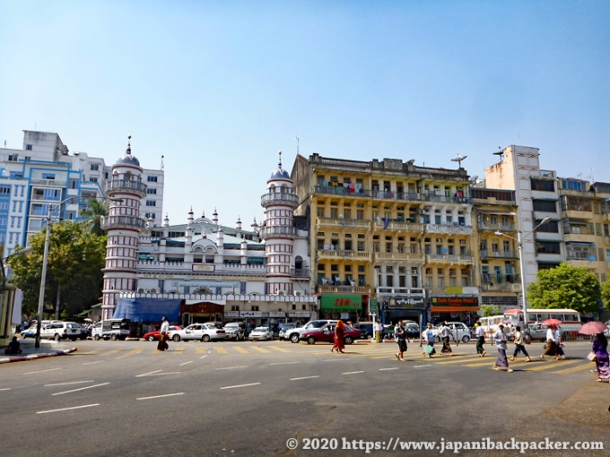 ヤンゴンの街並み