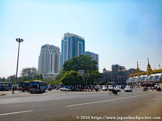 ヤンゴン 新しい高層ビル