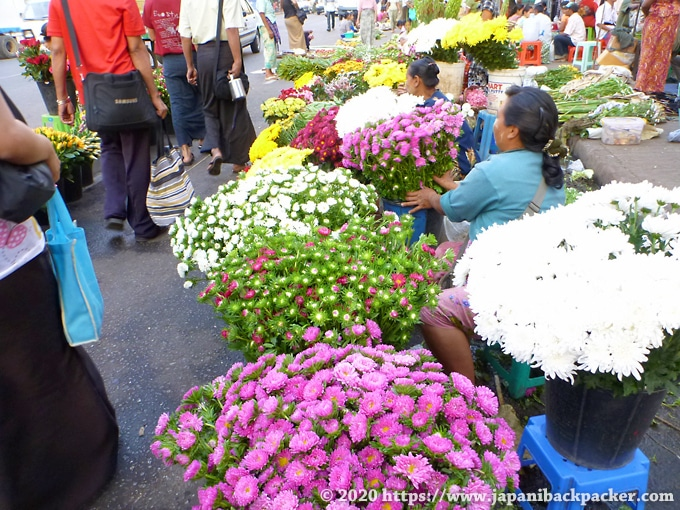 ヤンゴンの花屋