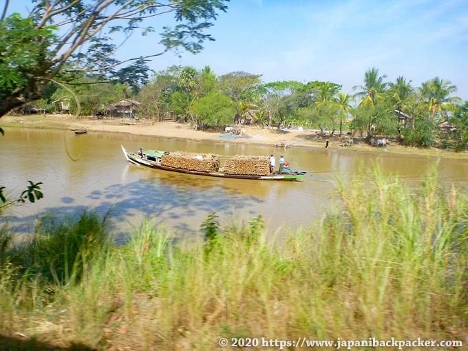 ミャンマー 川