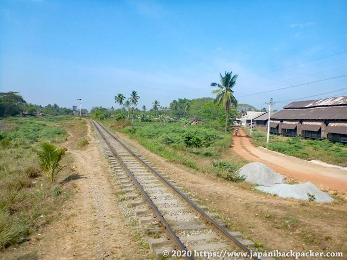 ミャンマー 線路