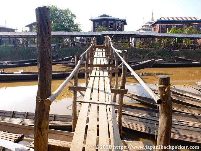 インレー湖の橋