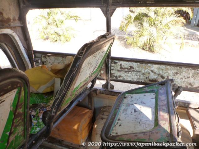 ミャンマーのミニバス