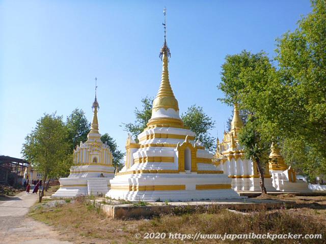 ミャンマー、カローの仏塔